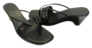 Tommy Hilfiger Size 8.50 M Very Good Condition Black Sandals