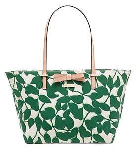 Kate Spade New With Tags Tote in Lucky Green Garden Leaves