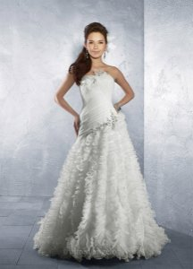 Alfred Angelo Reduced An Extra $100 This Week Only! Wedding Dress