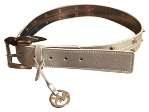 Michael Kors NWT-MEDIUM-MICHAEL KORS GRAY METALLIC/SIGNATURE SILVER-TONED BELT