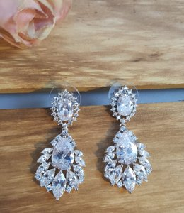 Rhodium Plated Exquisite Marquise Cubic Zirconia Pierced White Gold Earrings