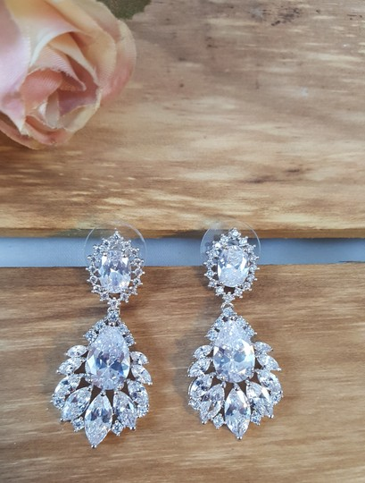 Rhodium Plated Exquisite Marquise Cubic Zirconia Pierced White Gold Earrings Image 2