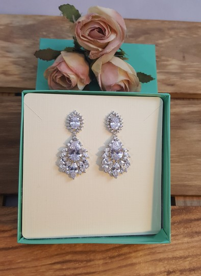 Rhodium Plated Exquisite Marquise Cubic Zirconia Pierced White Gold Earrings Image 3