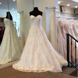 Mori Lee Ivory Lace Formal Wedding Dress Size 12 (L)