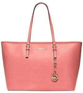 Michael Kors Jet Set Item Tote in Grapefruit/gold tone