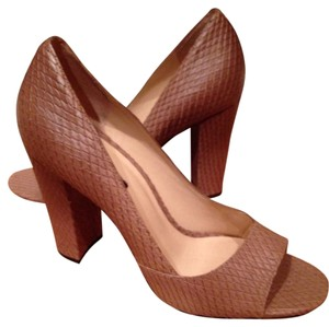 Talbots Tan Pumps