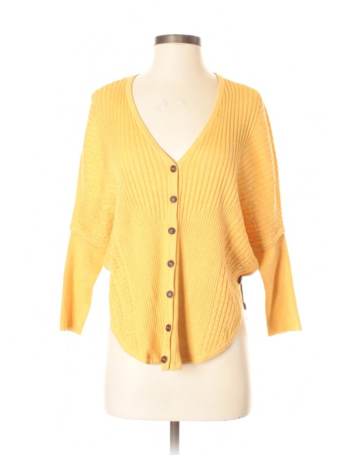 Preload https://img-static.tradesy.com/item/17648242/niczoe-sunflower-heather-nic-zoe-new-cablerib-knit-doleman-sleeve-small-cardigan-size-4-s-0-3-650-650.jpg