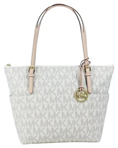 Michael Kors Signature Tote in Vanilla