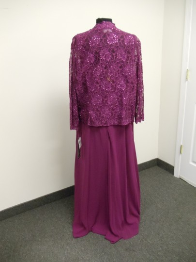 Karen Millen Cherry Pink Chiffon & Lace 96540 Traditional Bridesmaid/Mob Dress Size 24 (Plus 2x) Image 5