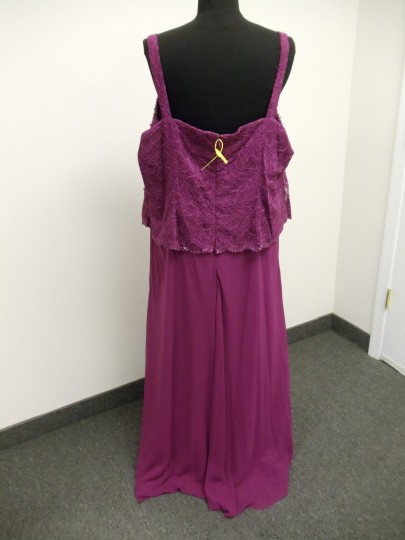 Karen Millen Cherry Pink Chiffon & Lace 96540 Traditional Bridesmaid/Mob Dress Size 24 (Plus 2x) Image 6