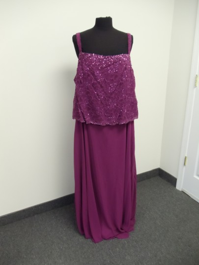 Karen Millen Cherry Pink Chiffon & Lace 96540 Traditional Bridesmaid/Mob Dress Size 24 (Plus 2x) Image 9
