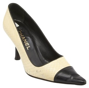 Chanel Snakeskin Pointed Toe Beige,Black Pumps