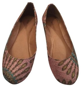 Nine West Light pink with turquoise, green, and orange details Flats
