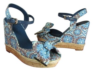 309dbfd290f2 Tory Burch Sandals Floral Fabric Bow Botanical   blue Wedges - item med img