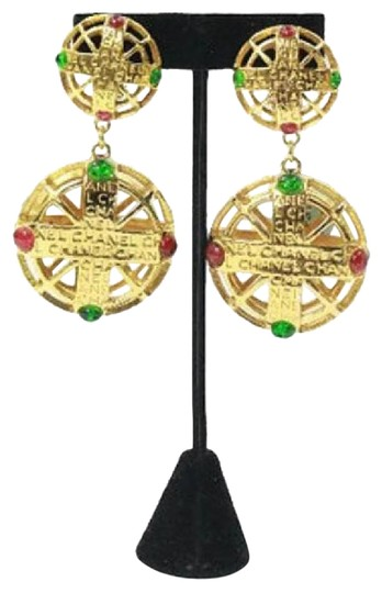 Preload https://img-static.tradesy.com/item/17653045/chanel-gold-pink-and-green-gripoix-earrings-0-2-540-540.jpg