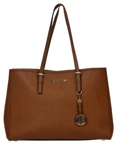 Michael Kors Hangtag Saffiano Tote in Brown