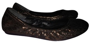 Vera Wang Metallic Gold black Flats
