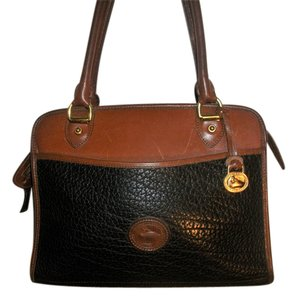Dooney & Bourke Vintage Pebbled Textured Leather Shoulder Bag