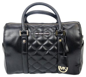 Michael Kors Hang Tag Quilted Leather Mk Tote in Black