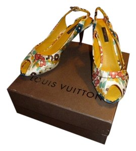 Louis Vuitton FLORAL CANVAS Pumps