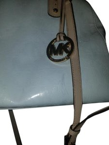 Michael Kors Satchel in Patent leather white
