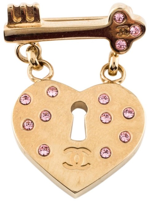 Item - Yellow Gold Pink Brooch Pin Cc Logo Heart Lock Key Dangling Drop Crystal Classic Charm