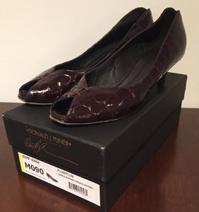Donald J. Pliner Purple Heels Pumps