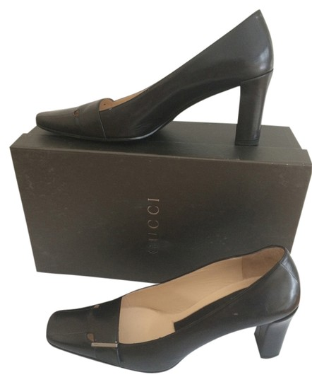 Preload https://item2.tradesy.com/images/gucci-black-leather-in-excellent-condition-pumps-size-us-8-regular-m-b-1766286-0-0.jpg?width=440&height=440