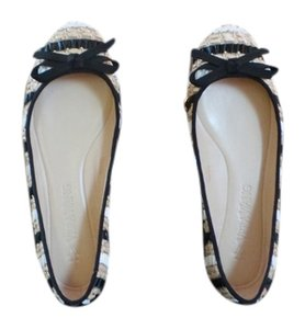 Vera Wang Black/White/Cream Flats