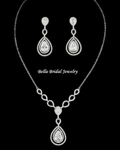 Bella Tiara Elegant Cz Necklace Set - Wholesale Price
