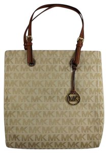 Michael Kors North South Tote in Beige Luggage