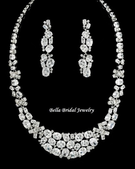 Luxurious Crystal Wedding Necklace Set