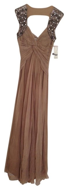 Item - Nude Long Formal Dress Size 2 (XS)