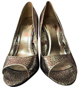 Forever 21 Peekabo Crackled Metallic Silver Pumps