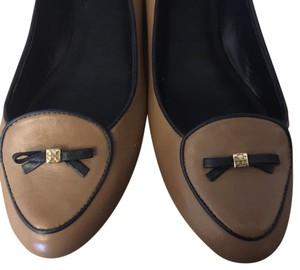 Tory Burch Sand and navy blue Flats