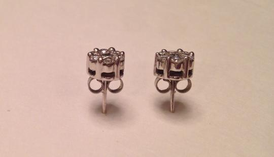 Unknown High Quality And Gorgeous Diamond Cluster Earrings Set In 14k White Gold