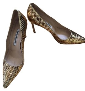 Manolo Blahnik Gold/Bronze Pumps