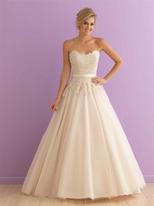 2908 Wedding Dress