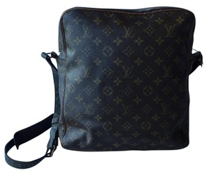 Louis Vuitton Canvas Rare Monogram Messenger Bag