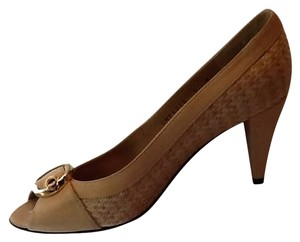 Stuart Weitzman Neutral Beige Nude With Raffia Pumps