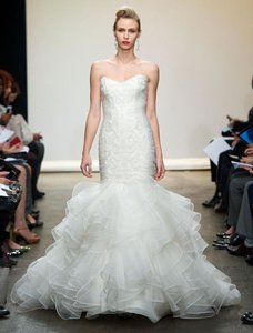 Ines Di Santo Light Ivory Silk Organza with Hand Embroidery Santina Formal Wedding Dress Size 8 (M)