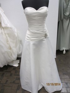 Carrafina 3693 (44l) Wedding Dress