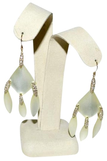 Preload https://img-static.tradesy.com/item/17679439/alexis-bittar-ivory-lucite-and-crystal-new-chandelier-drop-earrings-0-6-540-540.jpg