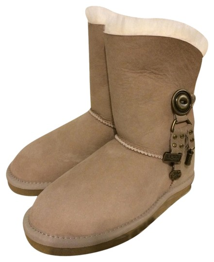 Preload https://item4.tradesy.com/images/ugg-australia-brown-charm-bootsbooties-size-us-5-regular-m-b-1768008-0-0.jpg?width=440&height=440