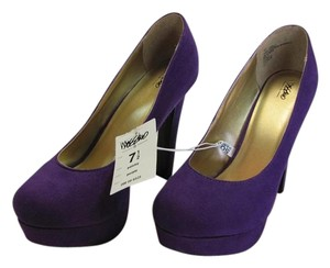 Mossimo Supply Co. New Size 7.50 M Excellent Condition Purple Platforms