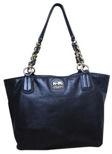 Coach Leather Medium Tote in Black