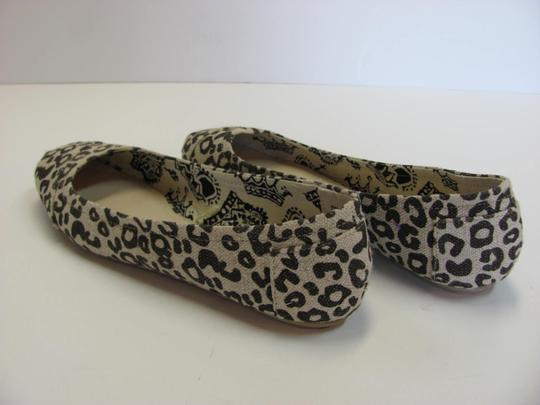 Faded Glory Size 7.00 M Very Good Condition Neutral, Brown Flats Image 5