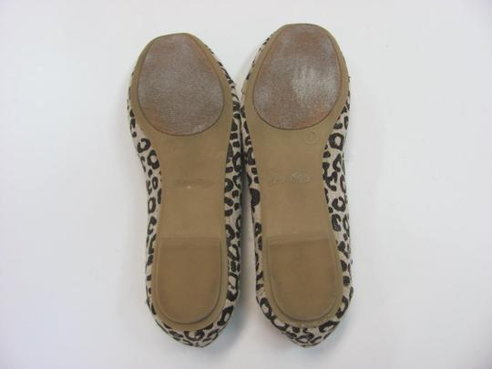 Faded Glory Size 7.00 M Very Good Condition Neutral, Brown Flats Image 6