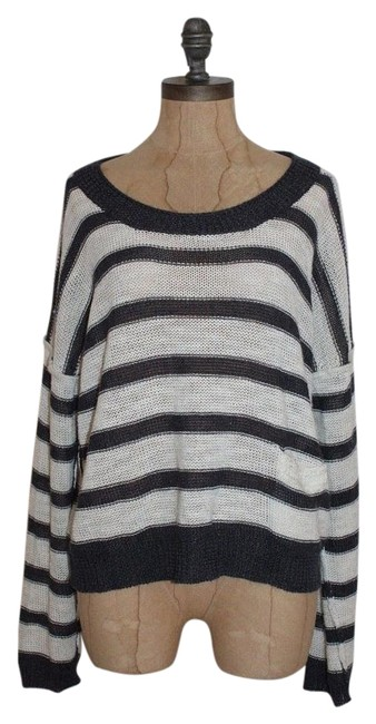 Preload https://img-static.tradesy.com/item/17681752/360-sweater-striped-sweaterpullover-size-8-m-0-1-650-650.jpg