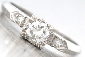 Brilliant Ladies Antique Art Deco 18k White Gold 0.50ct Diamond Engagement Ring